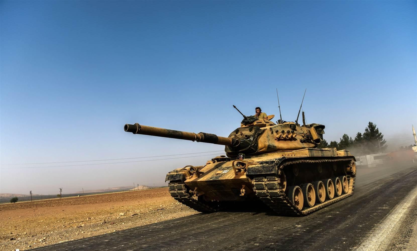 Ένα από τα τουρκικά άρματα μάχης που εισέβαλαν στην Συρία στο πλαίσιο της επιχείρησης Ασπίδα του Ευφράτη.