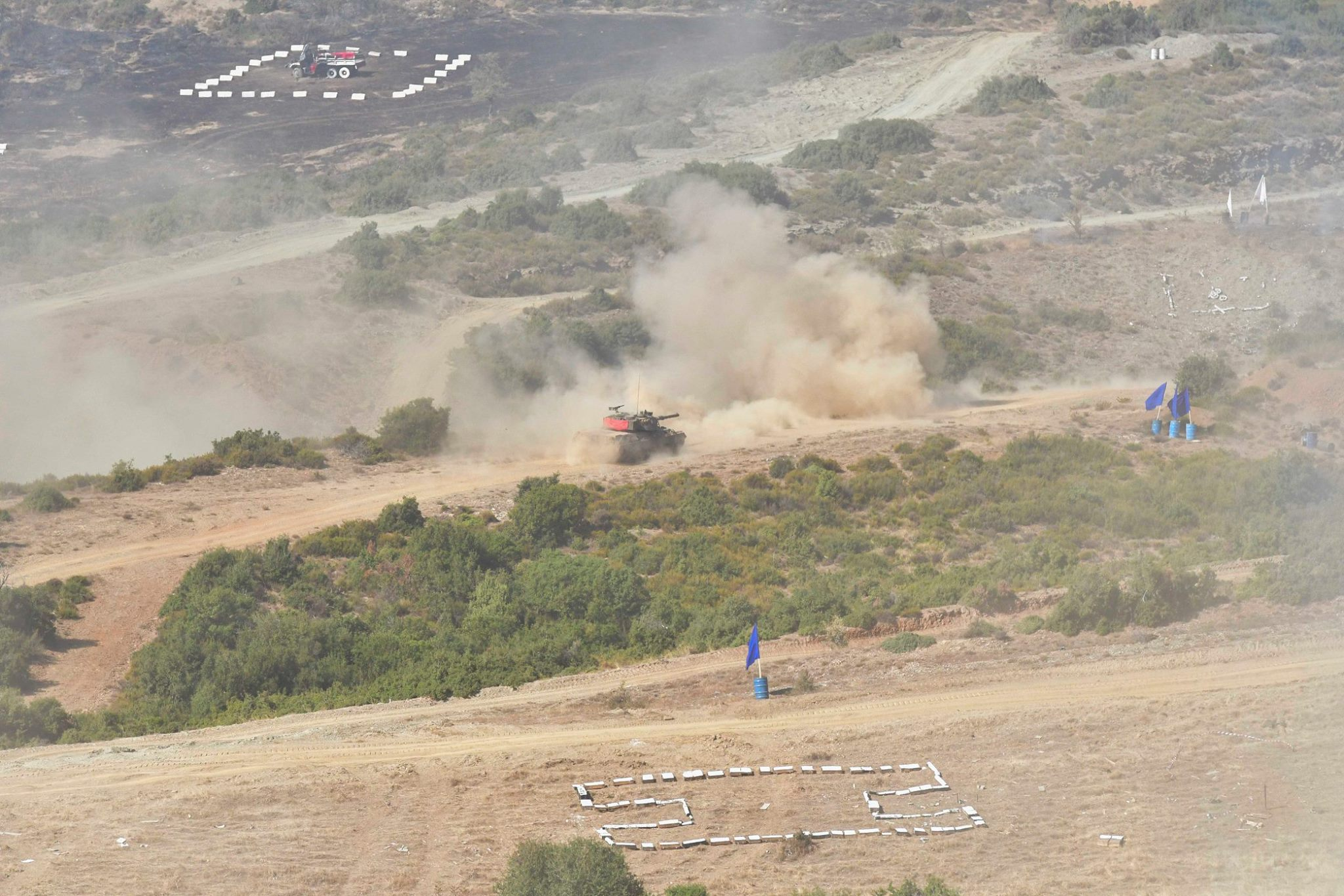 Βολές αρμάτων μάχης Leopard-1A5.