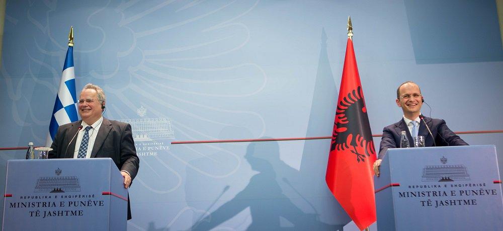 O Aλβανός υπουργός Εξωτερικών Ditmir Bushati εξέθεσε τον Έλληνα ομόλογό του, Νίκο Κοτζιά, σε ραδιοφωνική συνέντευξη έχει δοθεί τόσο στον (Αυστριακό) Επίτροπο με αρμοδιότητα τη Διεύρυνση Γιοχάνες Χαν όσο και στην ύπατη εκπρόσωπο για την εξωτερική πολιτική της ΕΕ Φεντερίκα Μογκερίνι.
